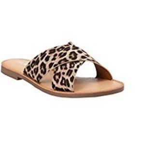 Brand new leopard slide on sandal!